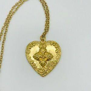 Jewelry - Vintage big heart necklace - gold boho retro